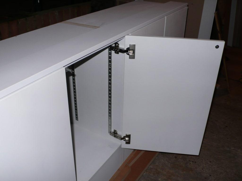 cabinet hinge